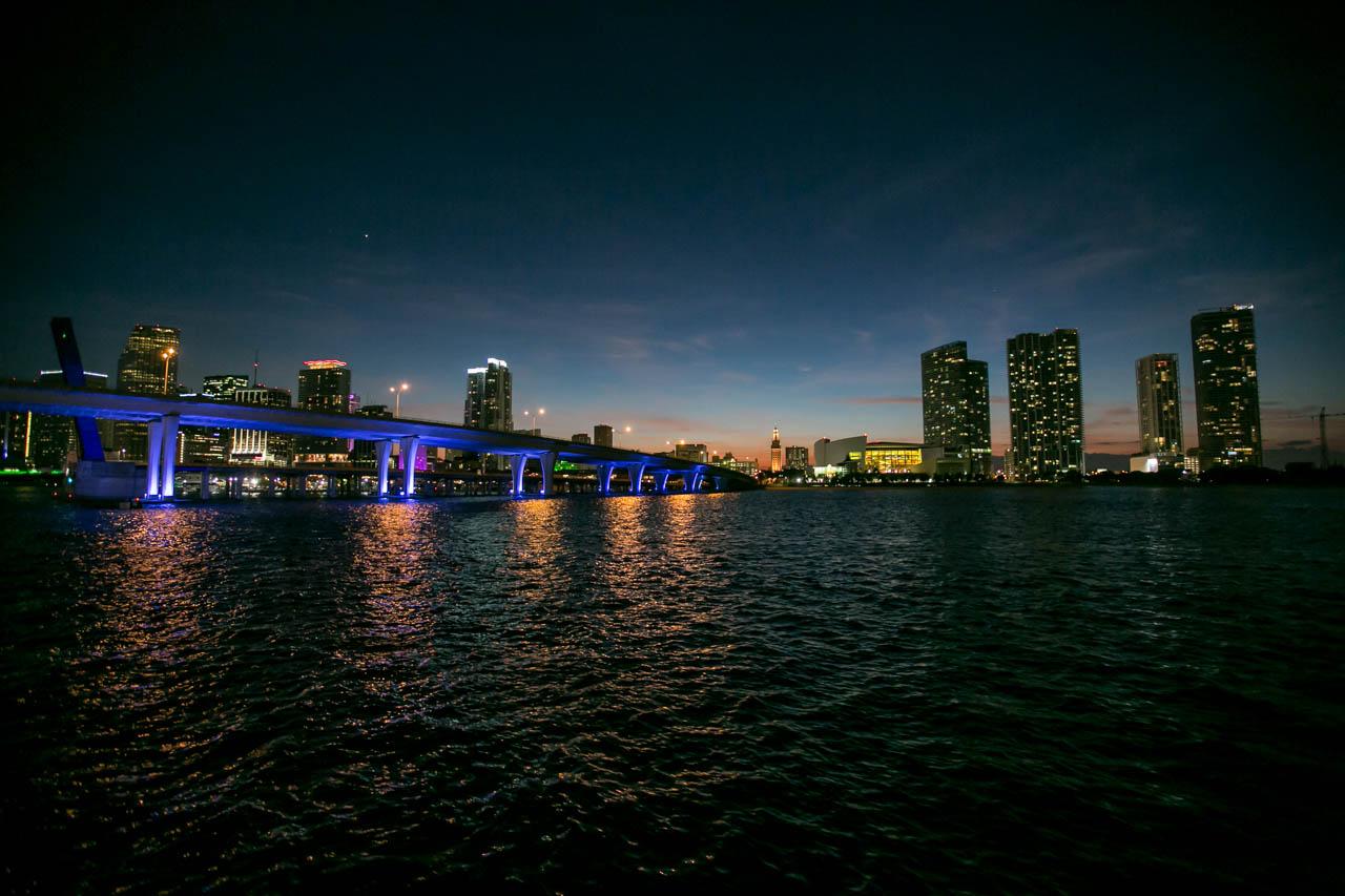 El paisaje nocturno de Miami, es uno de los tantos atractivos de esta ciudad. (Tetsu Espósito)