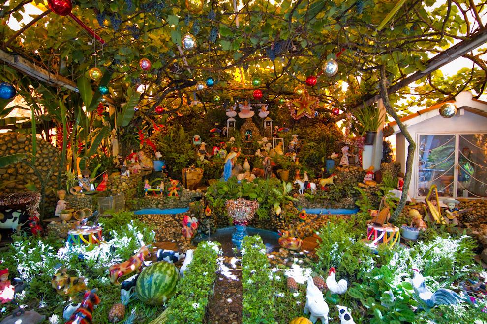 En Luque, uno de los  pesebres mas tradicionales y grandes de la zona es visitado por mucha gente y se realiza todos los años.(Tetsu Espósito -  Luque, Paraguay)