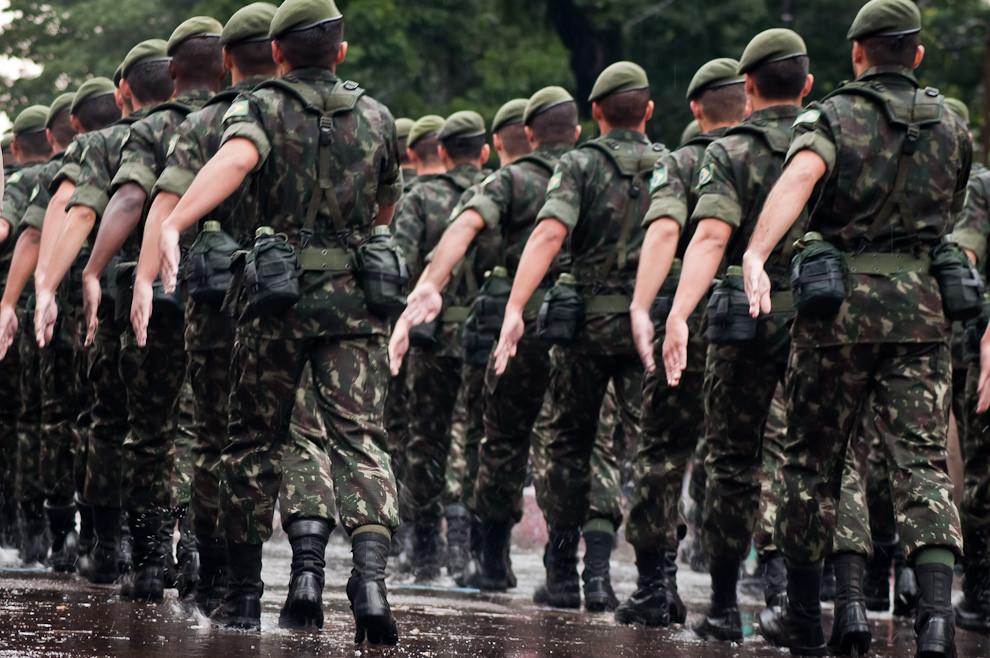 Soldados brasileños fueron invitados a desfilar el 14 de Mayo por las celebraciones del Bicentenario Paraguayo. (Elton Núñez - Asunción, Paraguay)
