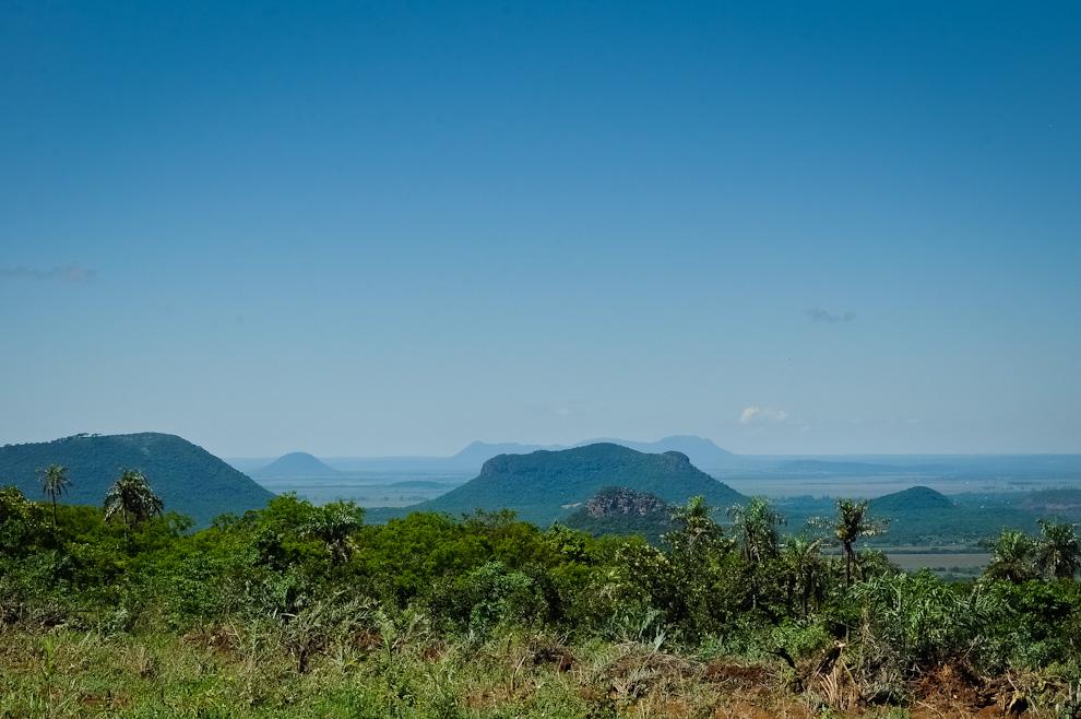 Un ejemplar del paisaje que los competidores tenían el privilegio de contemplar mientras se dirigían hacia sus respectivas metas durante la carrera. Desde una loma podían verse directamente distintos cerros del Departamento de Paraguarí. (Elton Núñez)