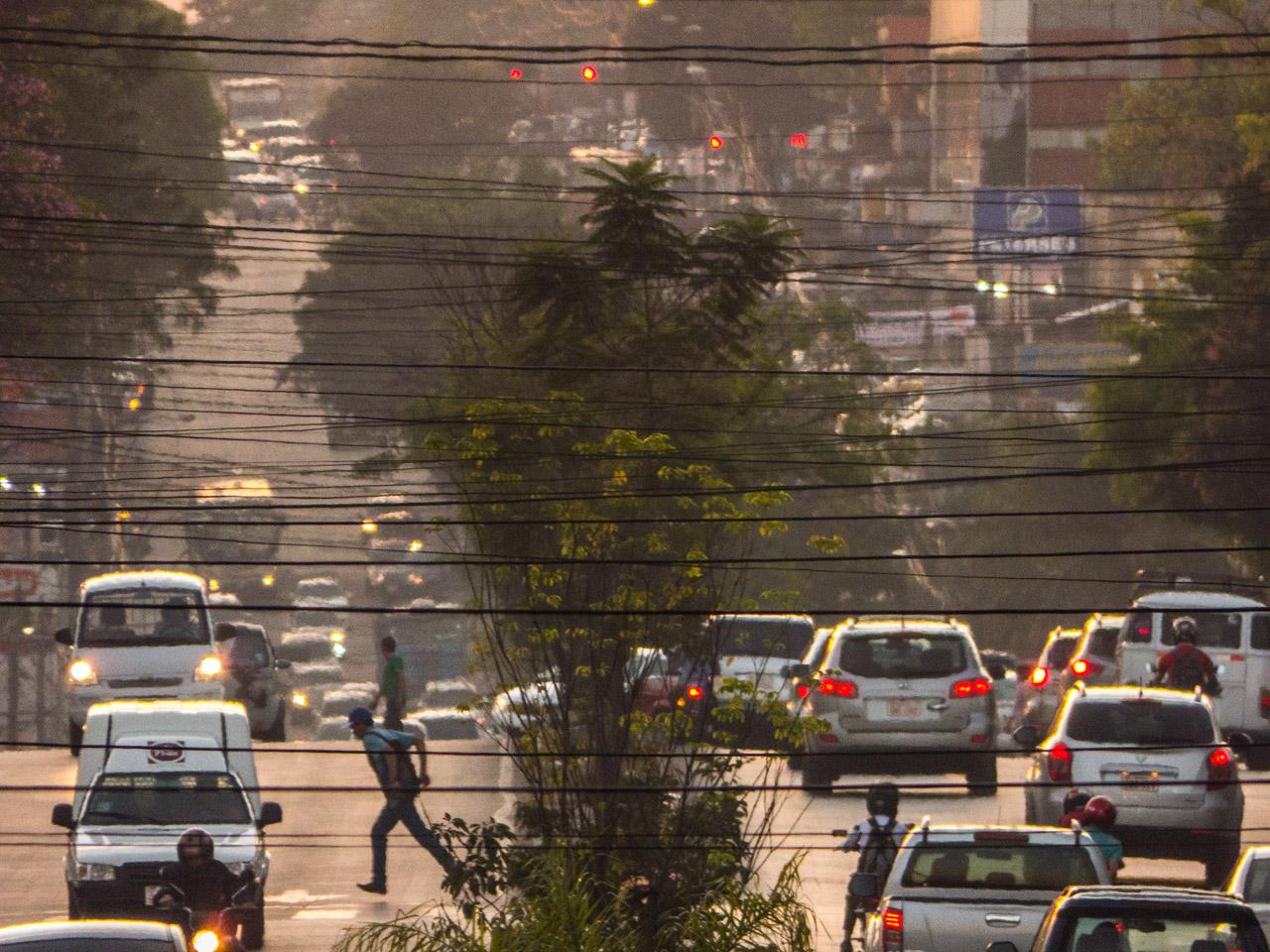 Tráfico de la avenida Eusebio Ayala, año 2015.