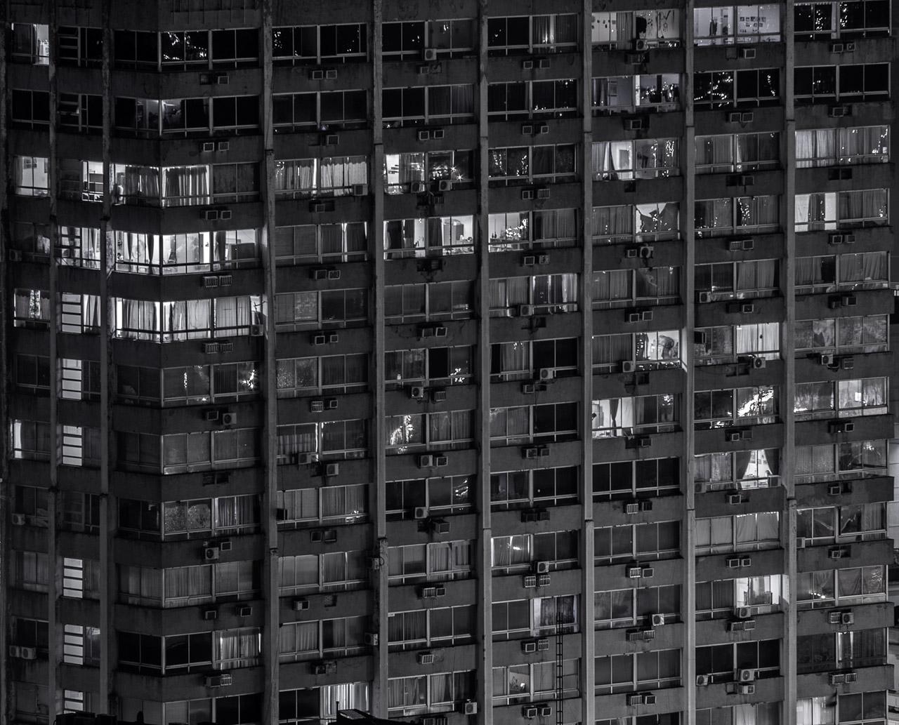 Edificio Zodiac sobre las calles 14 de Mayo y Paraguayo Independiente, año 2016.